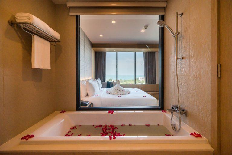 Arize Hotel Sriracha : Deluxe Ocean View