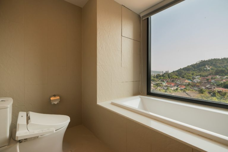 Arize Hotel Sriracha : Junior Suite Ocean View