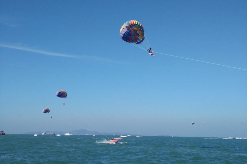 Arize Hotel Sriracha :Parasailing & Paragliding